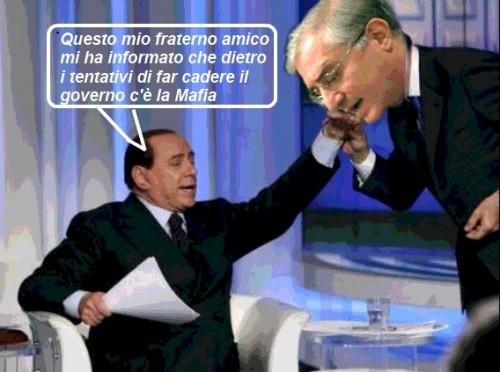 Berlusconi dichiara : La Mafia è nostra nemica, nei presenti la risata è durata 15 minuti